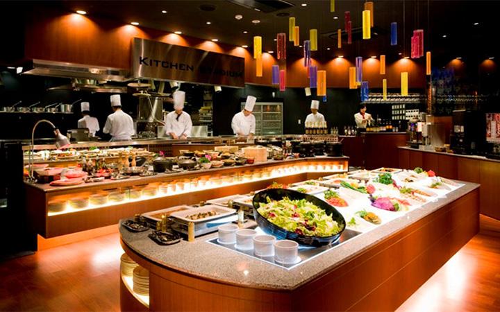 提供東坡肉等豐富的琉球料理