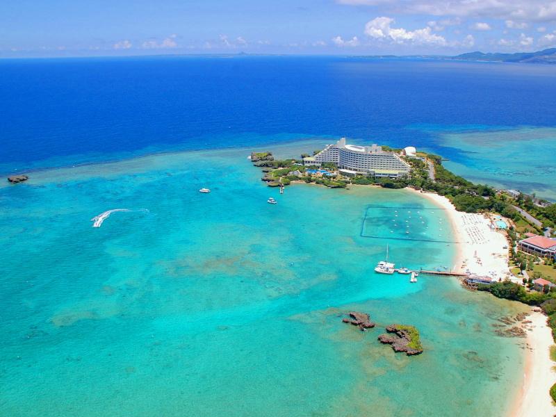 四周被大海環繞的整座海岬皆為飯店設施