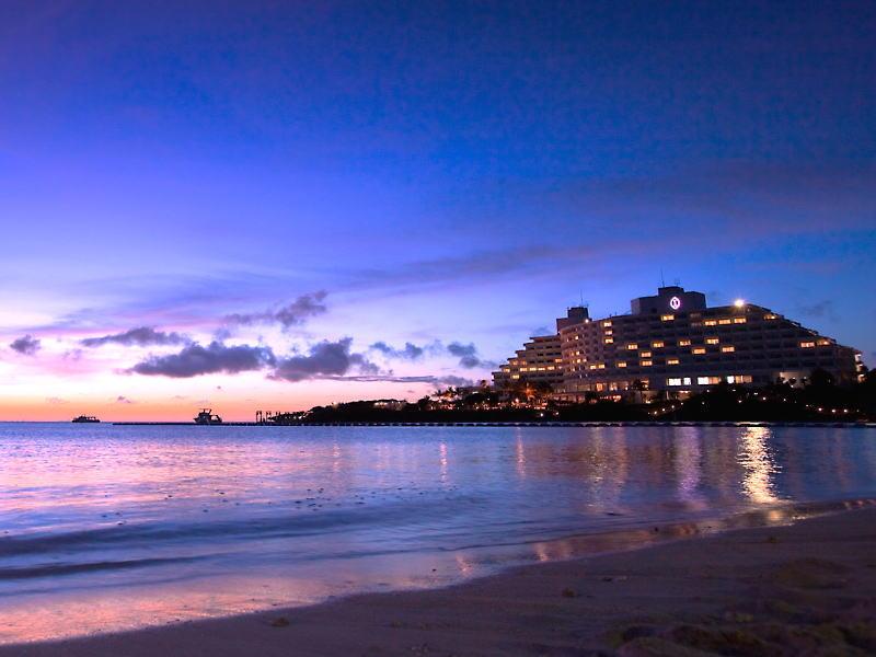 位於西海岸,天氣晴朗時可觀賞夕陽美景
